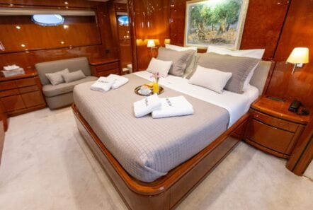 pareaki motor yacht cabins (1) (Custom) min - Valef Yachts Chartering