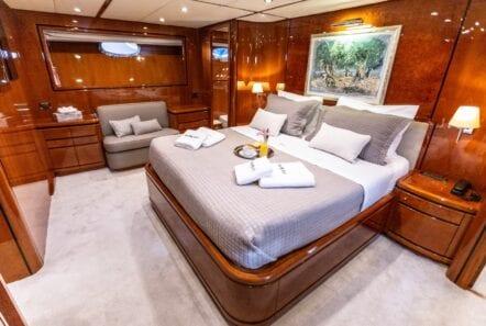 pareaki motor yacht cabins (6) (Custom) min - Valef Yachts Chartering
