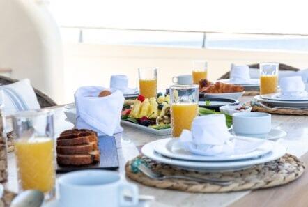 pareaki motor yacht dishes (Custom) min - Valef Yachts Chartering