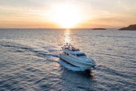 pareaki motor yacht exterior profile (5) (Custom) min - Valef Yachts Chartering