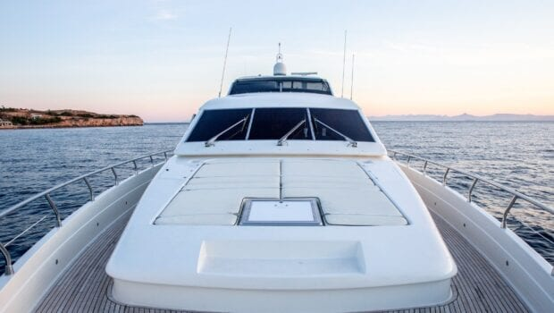 pareaki motor yacht fore (Custom) min - Valef Yachts Chartering