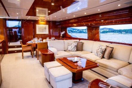 pareaki motor yacht salon (1) (Custom) min - Valef Yachts Chartering
