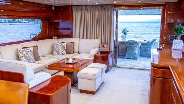 pareaki motor yacht salon (2) (Custom) min - Valef Yachts Chartering