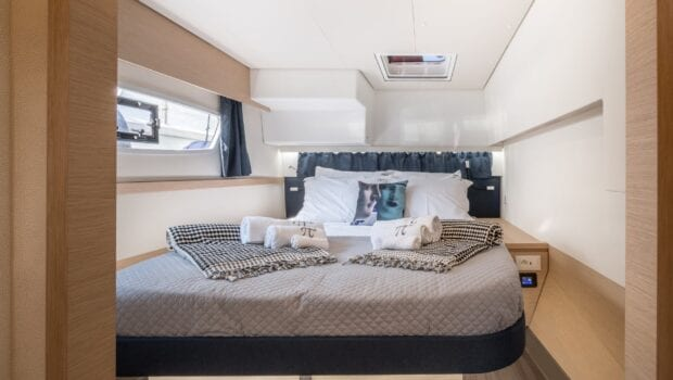 pi2 catamaran cabin (9) (Custom) min - Valef Yachts Chartering