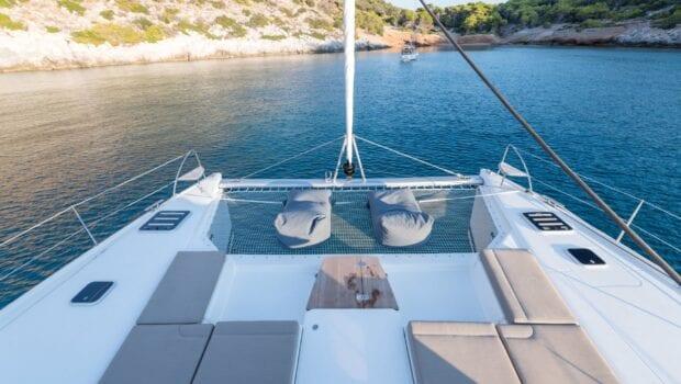 pi2 catamaran exterior