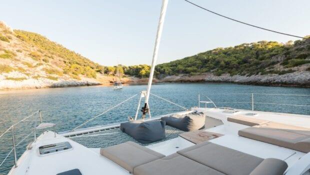 pi2 catamaran exterior (12) (Custom) min - Valef Yachts Chartering