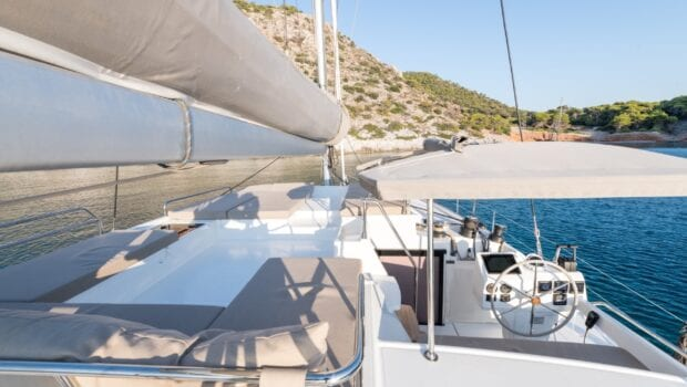 pi2 catamaran exterior (5) (Custom) min - Valef Yachts Chartering