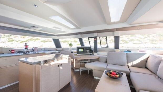 pi2 catamaran salon (2)  - Valef Yachts Chartering