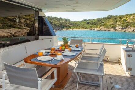 the bird motor yacht aft table (3) min - Valef Yachts Chartering