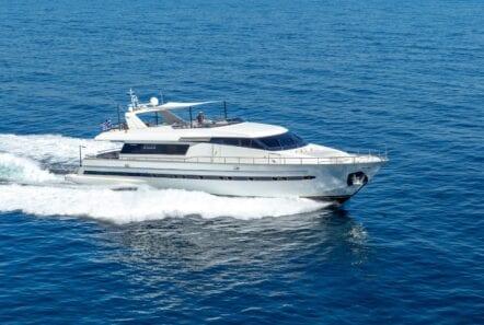the bird motor yacht exterior profiles (12) min - Valef Yachts Chartering