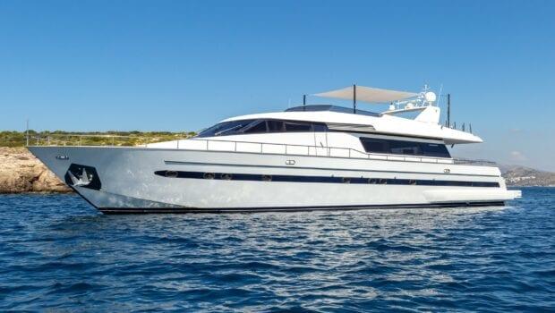 the bird motor yacht exterior profiles (5) min - Valef Yachts Chartering