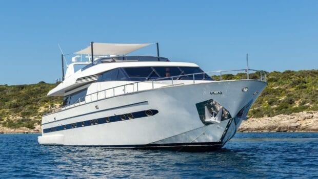 the bird motor yacht exterior profiles (6) min - Valef Yachts Chartering