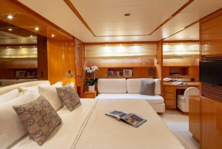 the bird motor yacht master suite (1) min - Valef Yachts Chartering