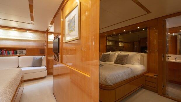 the bird motor yacht master suite (4) min - Valef Yachts Chartering