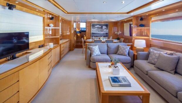 the bird motor yacht salon and dining (5) min - Valef Yachts Chartering