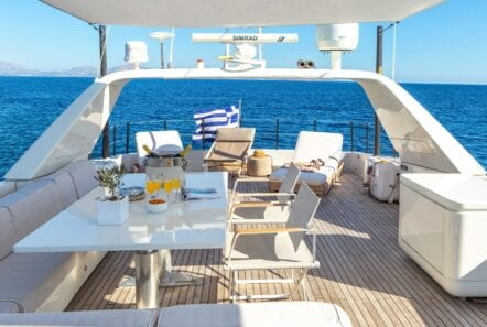the bird motor yacht sundeck (2) min - Valef Yachts Chartering