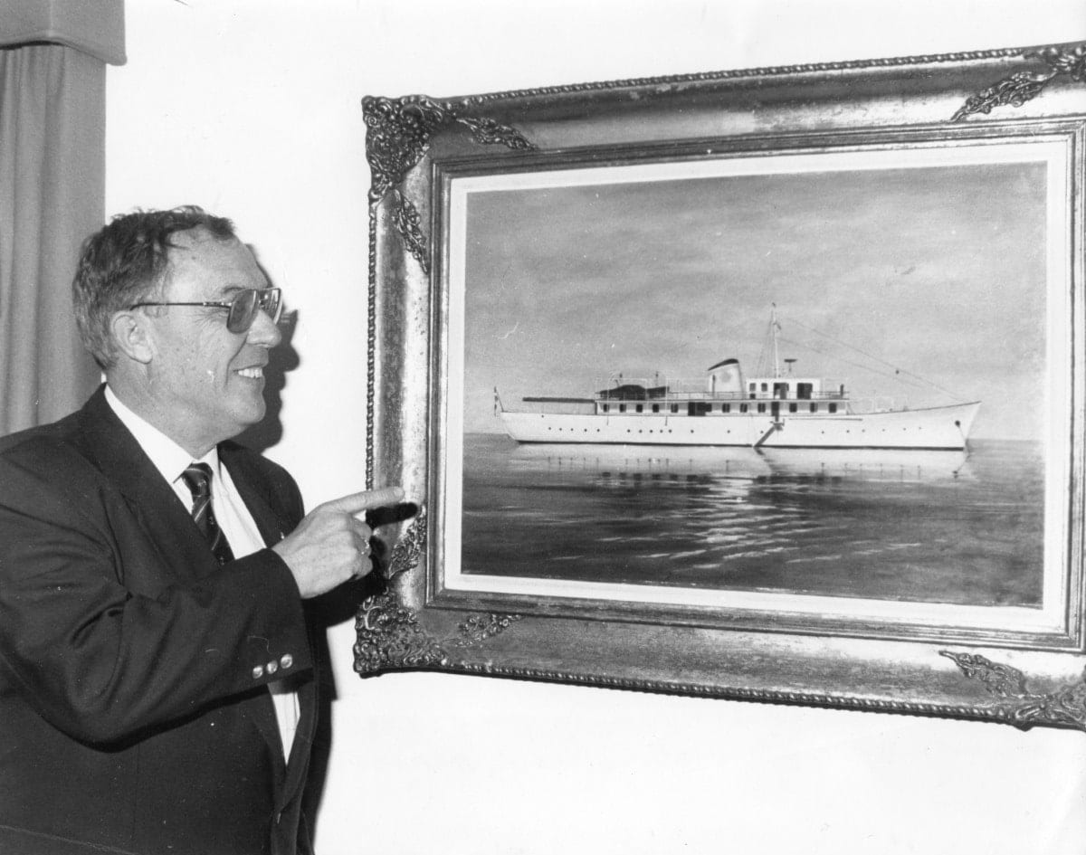 BILL LEFAKINIS AND PAINTING OF MY 1993 (Custom) - Valef Yachts Chartering